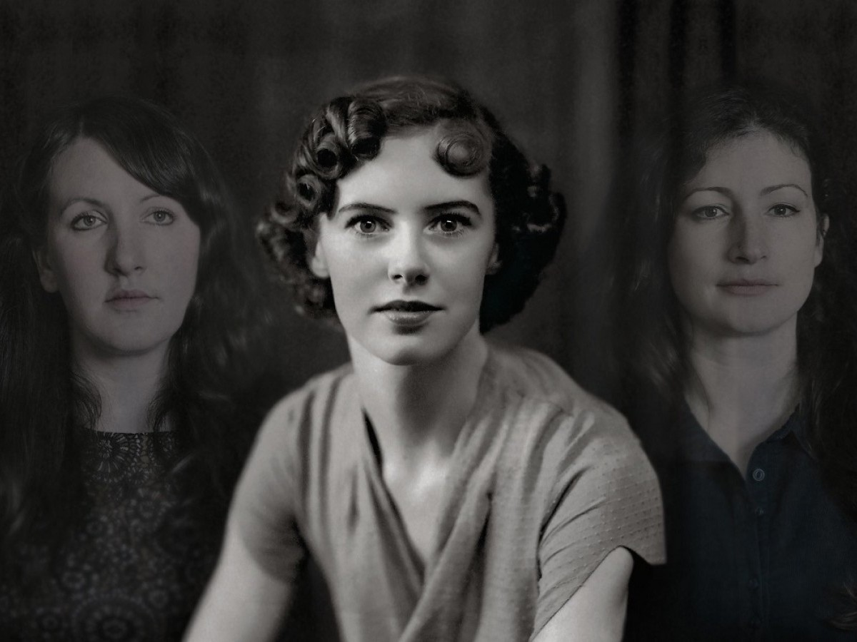 The Unthanks with Molly Drake (centre)